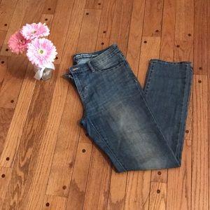GAP skinny jeans - light wash - Size 8
